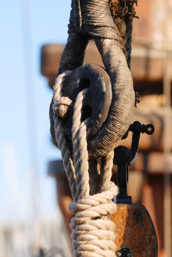 Particolari di sartiame della barca a vela fotografia stock libera da diritti