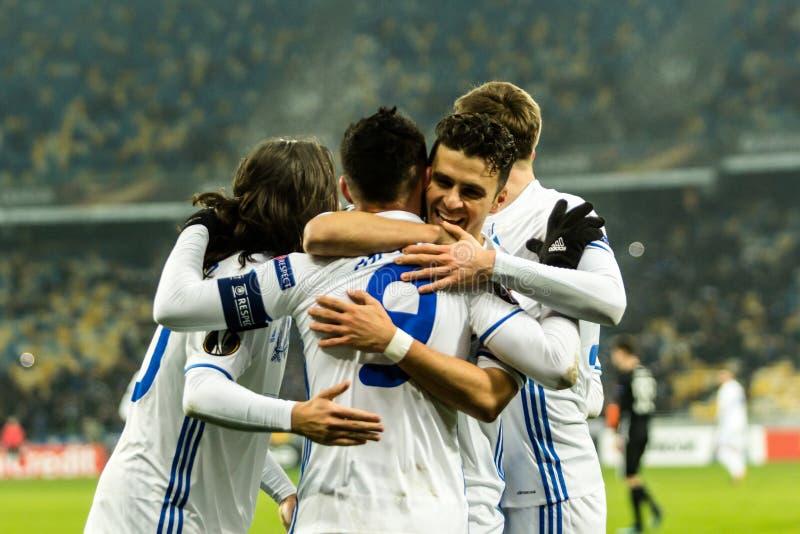 """Partidario del †de Kyiv del dínamo del partido de fútbol de la liga del Europa de la UEFA """", Dece imagenes de archivo"""