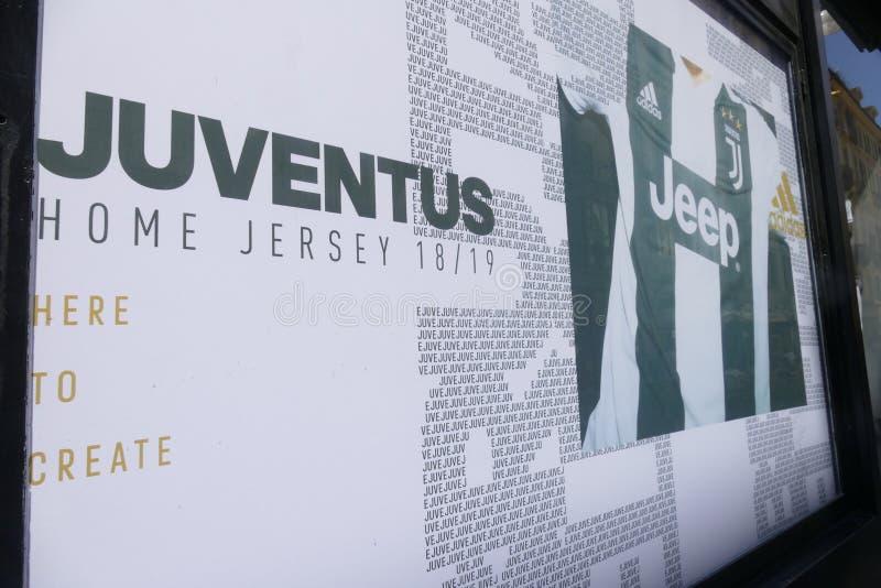 Partidarios de Juventus FC que va enojado para el nuevo jugador de Cristiano Ronaldo para la estación próxima imagenes de archivo