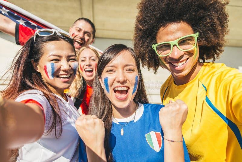 Partidarios del deporte en el estadio fotografía de archivo