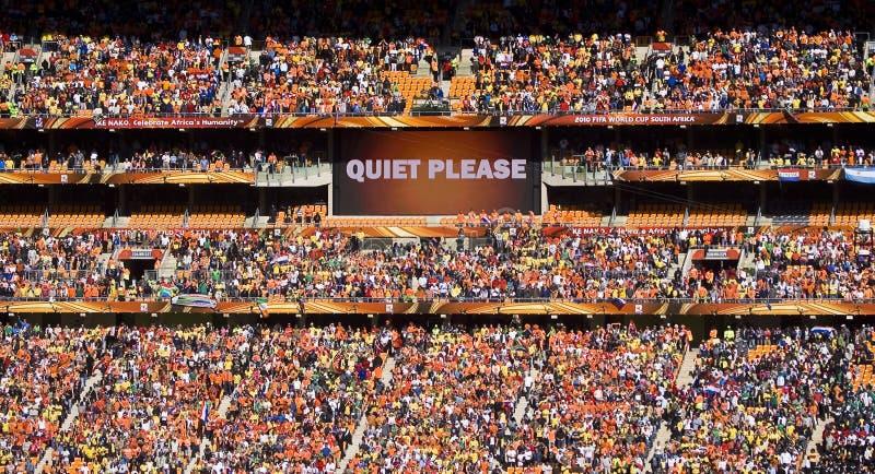 Partidarios del fútbol en la ciudad del fútbol - WC 2010 de la FIFA imagen de archivo libre de regalías