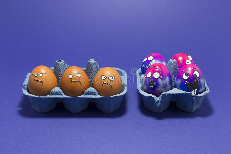 Partido da Páscoa com ovos loucos fotos de stock