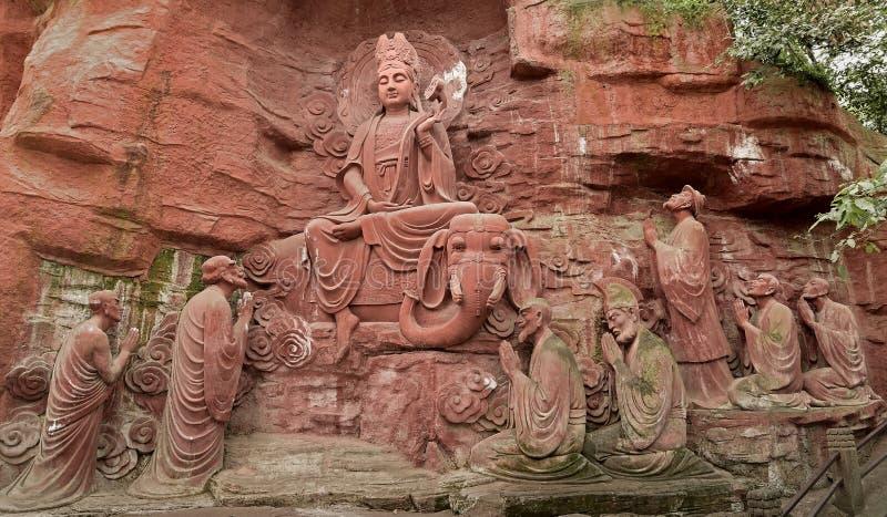 Partido da pedra- dez do penhasco de Mount Emei a adorar imagem de stock royalty free
