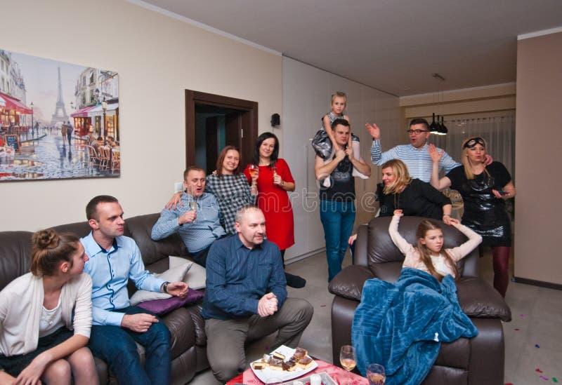 Partido de casa en nuevo Year' s Eve imágenes de archivo libres de regalías
