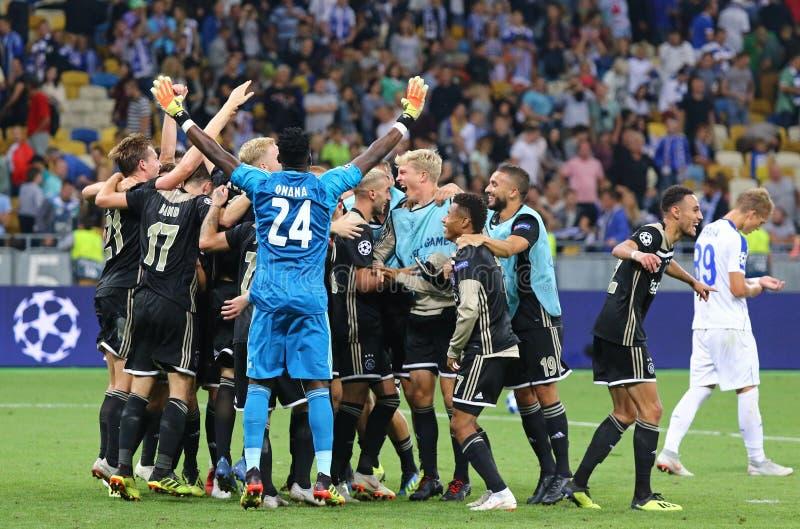 Partido de desempate de la liga de campeones de UEFA: FC Dynamo Kyiv v Ajax imagen de archivo