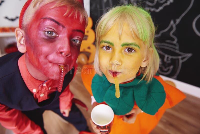 Partido de Halloween para los niños fotografía de archivo