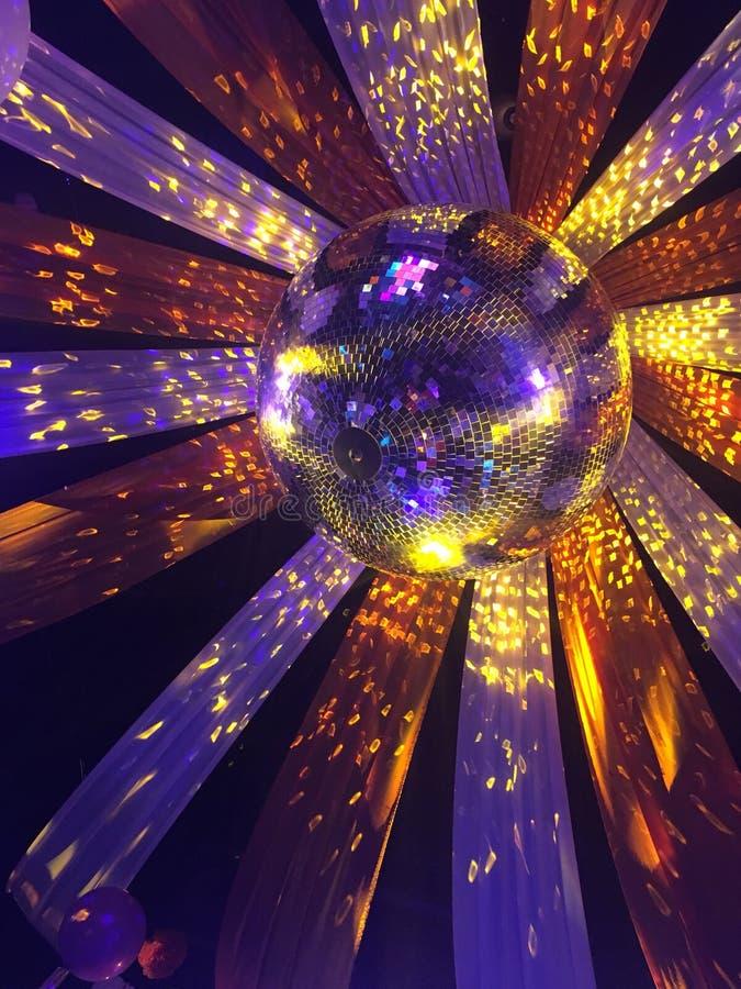 Partido de la bola de discoteca imágenes de archivo libres de regalías