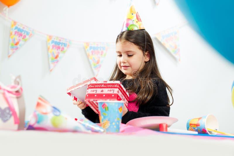 Partido del feliz cumpleaños de los niños fotos de archivo libres de regalías
