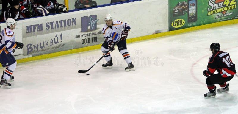 Partido del hockey sobre hielo de Kharkov Donbass fotos de archivo libres de regalías