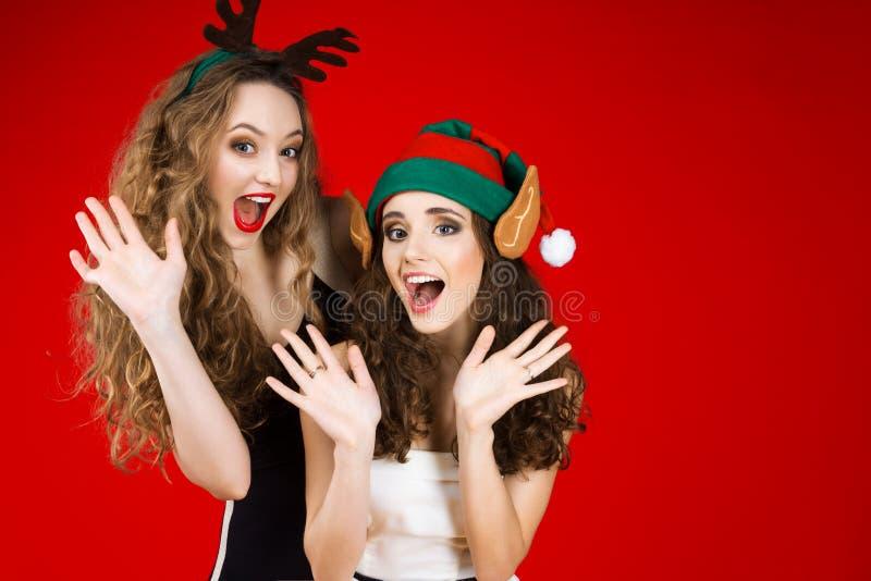 Partido dos amigos do ano novo e do Feliz Natal imagem de stock