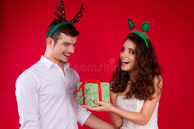 Partido dos amigos do ano novo e do Feliz Natal foto de stock royalty free