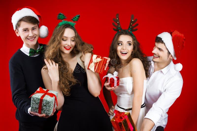 Partido dos amigos do ano novo e do Feliz Natal fotografia de stock royalty free