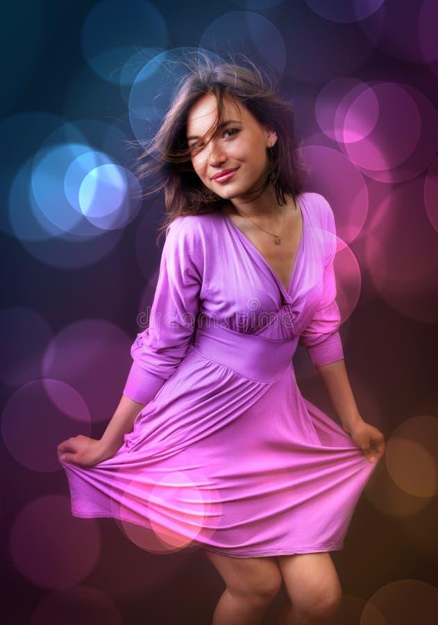 Partido e vida noturno - dança feliz da mulher fotografia de stock