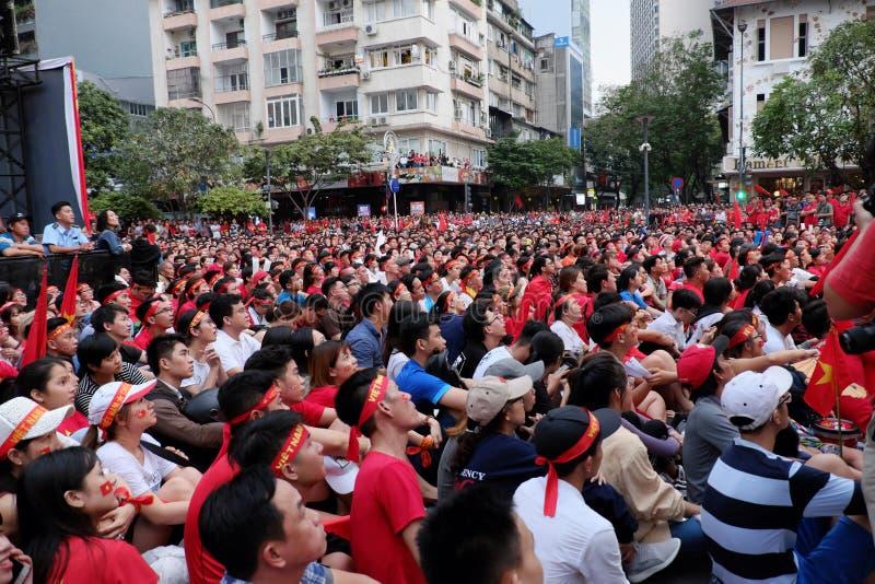 Partido final vietnamita del AFC U23 del reloj de los partidarios del fútbol imágenes de archivo libres de regalías