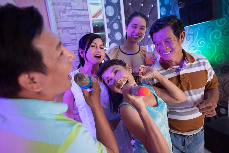 Partido no karaoke fotografia de stock royalty free