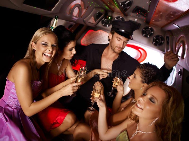 Partie chaude de célibataire dans la limousine images stock