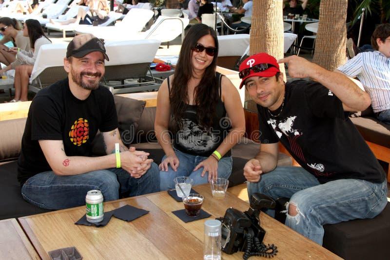 partie de Chuck Kickoff d'invités présentée par Guitar Hero cinq photos libres de droits