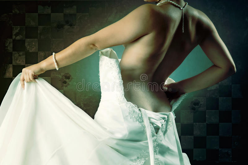 Partie du corps de jeune mariée photo stock