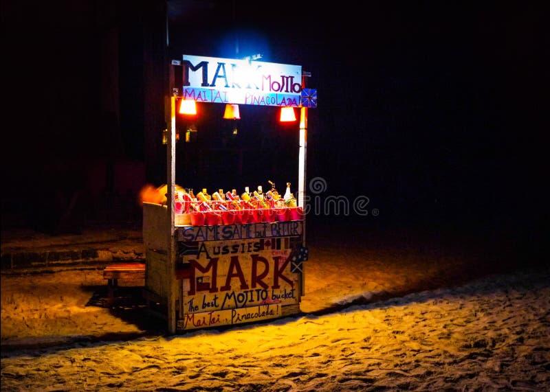 Partie Koh Phangan, Thaïlande de pleine lune le 27 mars 2012, stalle de boisson alcoolisée photographie stock