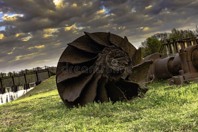 Partie rouillée de vieux moulin image stock