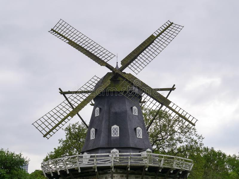 Partie supérieure du moulin à vent du parc de Malmö photo stock