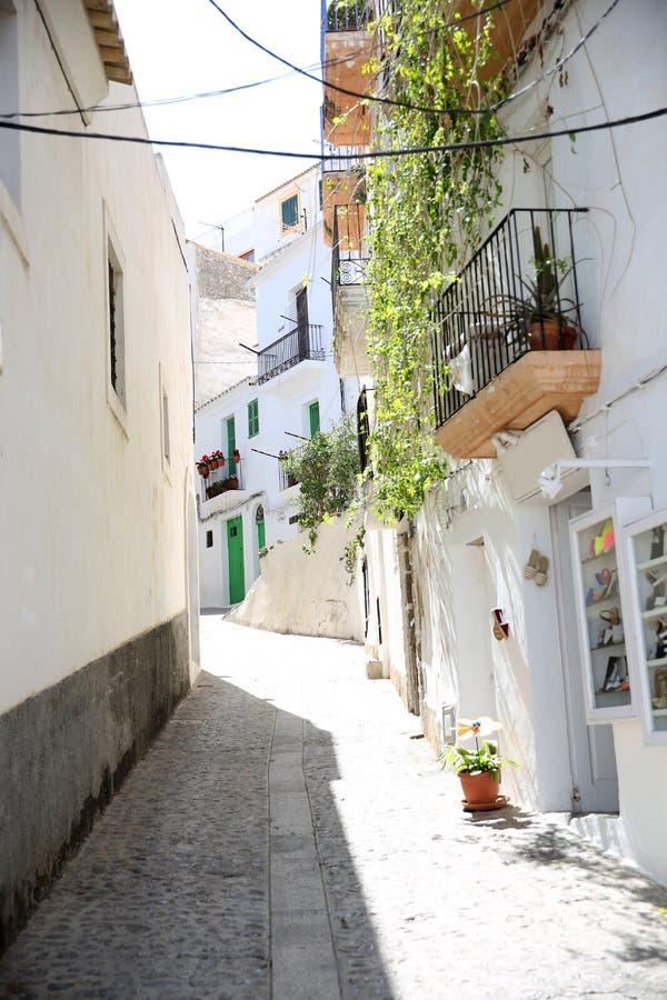 Partie typique de vieille ville dans Ibiza images libres de droits