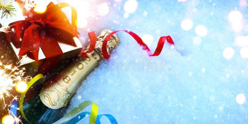 Partiet för jul eller för det nya året inviterar royaltyfria bilder