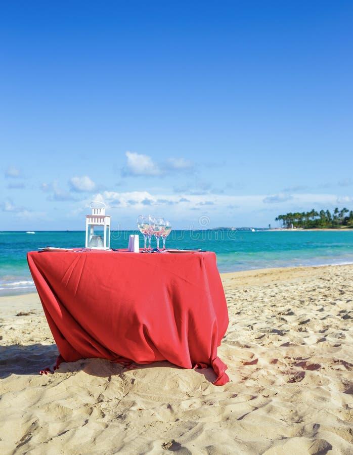 Partijlijst aangaande het strand stock foto
