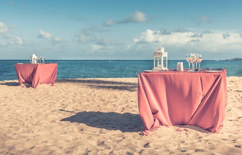 Partijlijst bij het strand royalty-vrije stock foto