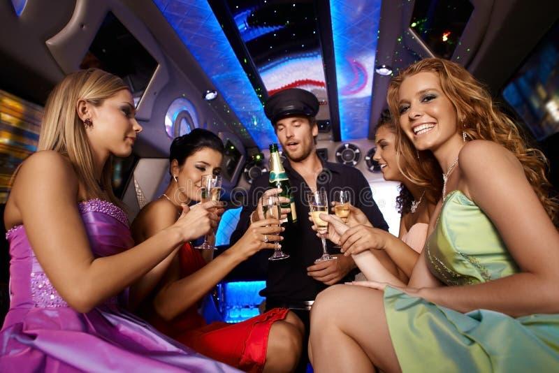 Partijpret in limousine stock fotografie