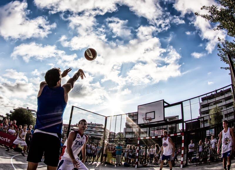 partita di pallacanestro 3x3 immagine stock