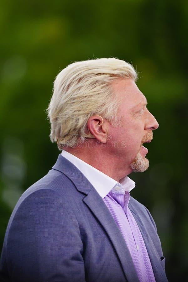 Partita di tennis di osservazioni di Grand Slam Champion Boris Becker dell'analista di Eurosport durante l'US Open 2018 fotografie stock