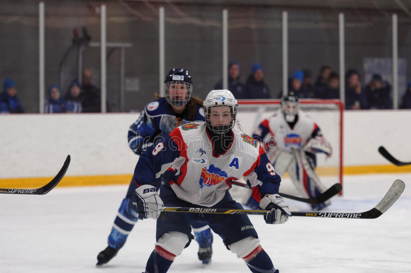 Partita Dinamo St Petersburg del hockey su ghiaccio delle donne contro Biryusa Krasnojarsk fotografia stock