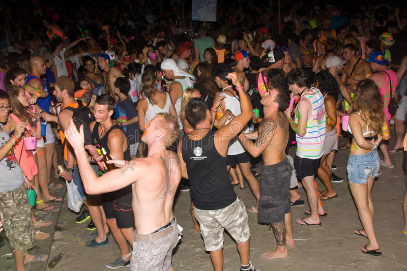 Partito della luna piena della spiaggia di Phangan fotografie stock