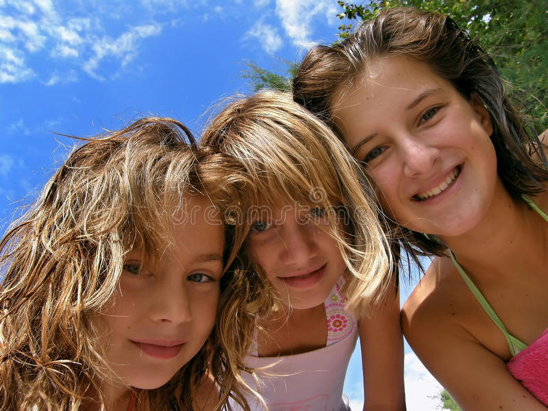 Partito di estate delle ragazze immagine stock