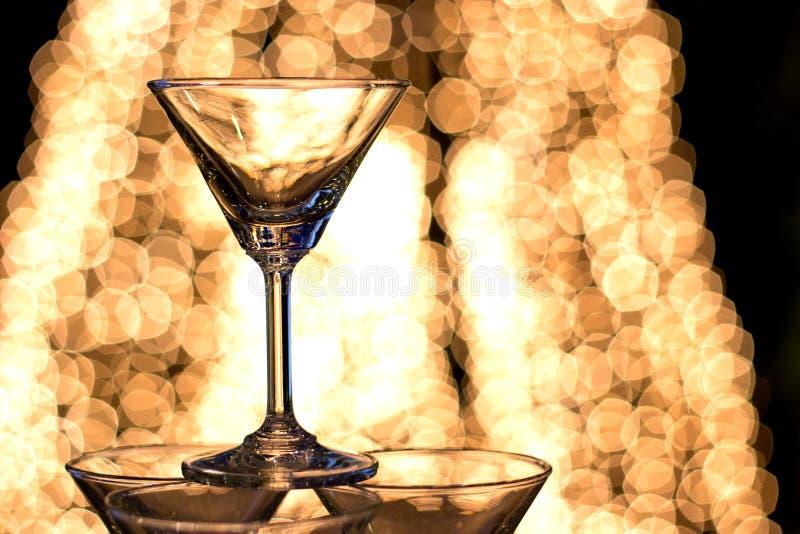 Partito di notte di Silhuotte con il colpo del champagne immagini stock libere da diritti