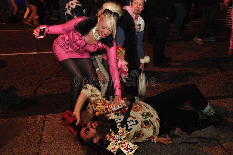 Partito di via al movimento strisciante dello zombie ed alla parata 2015, Toronto, Ontario, Canada fotografie stock libere da diritti