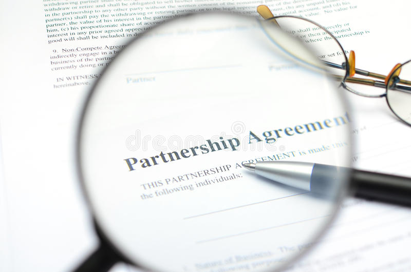 Partnerschapsovereenkomstvorm stock afbeeldingen