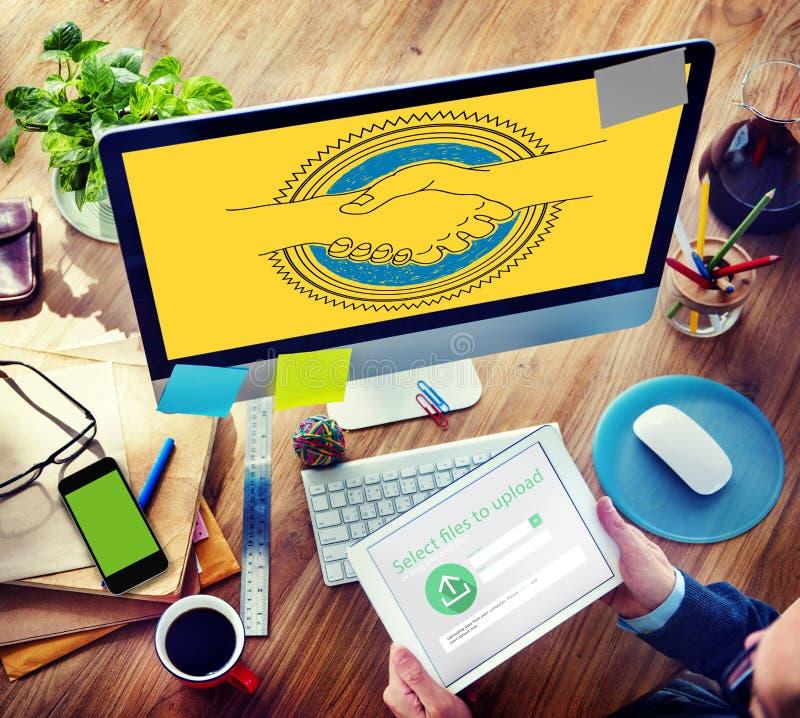 Partnerskap Team Concept för överenskommelsehälsninghandskakning arkivbild