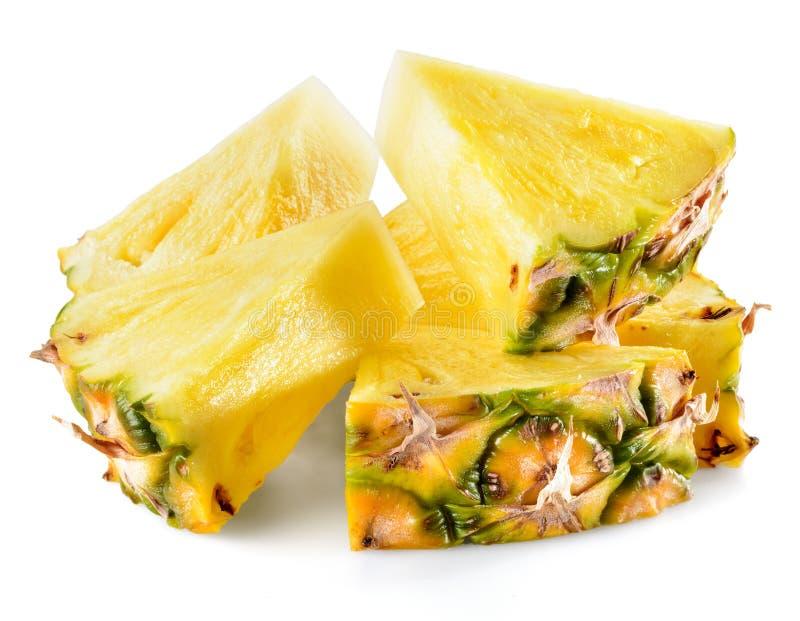 Parts d'ananas d'isolement sur le fond blanc image stock
