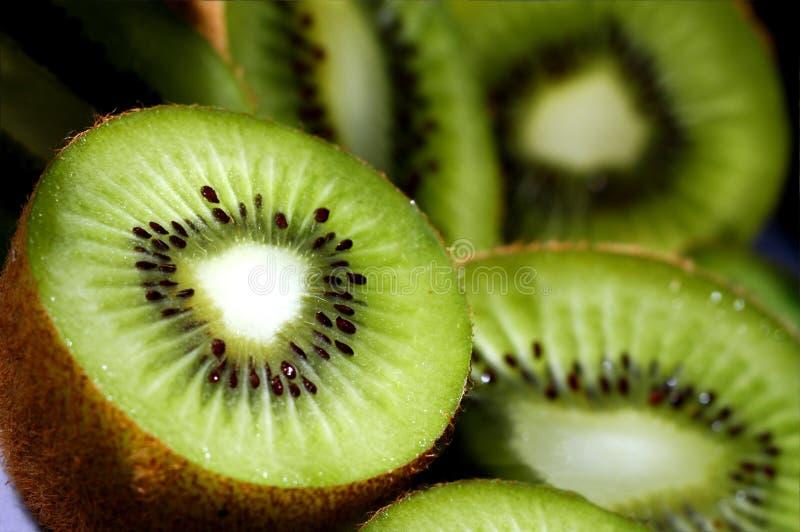 Parts de kiwi image libre de droits