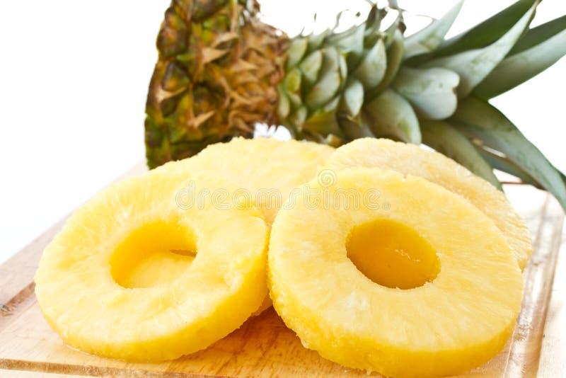 Parts enlevées d'ananas photos libres de droits