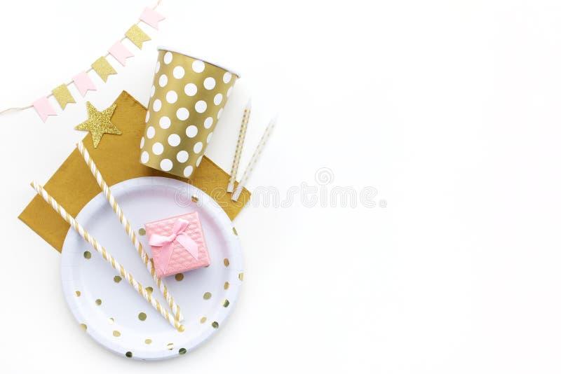 Party предпосылка с золотым украшением и открытый космос для текста Плоское положение Взгляд сверху стоковые изображения