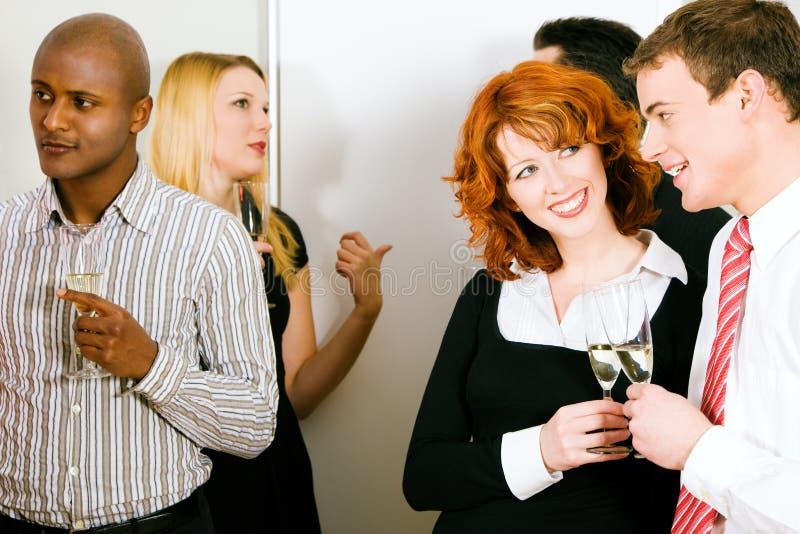 Flirten in der gruppe