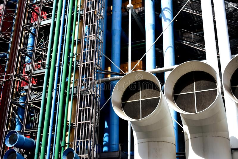 Paryż, Francja, 12 2018 Aug Centre Pompidou, kolorowa fasada z tubkami i rurociąg, obrazy royalty free