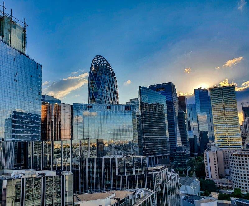 Paryż, Francja, Czerwiec 2019: Losu Angeles Obrończy dzielnica biznesu przy zmierzchem obraz royalty free