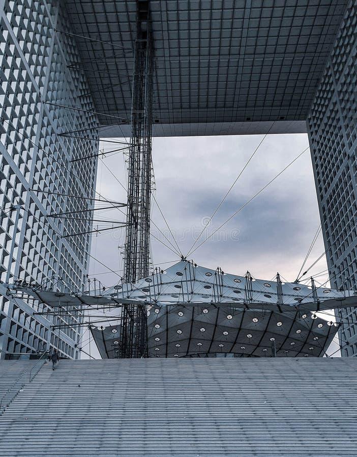 Paryż, Francja, Czerwiec 2019: Wielki łuk Obrończy la grande arche De Los angeles Obrona obrazy stock