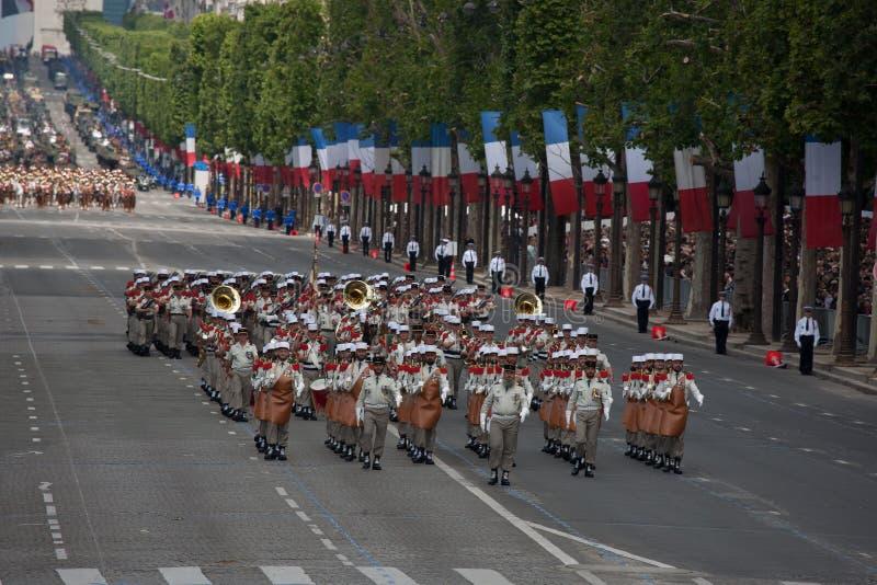 Paryż Francja, Lipiec, - 14, 2012 Żołnierze - pioniera marsz podczas rocznej militarnej parady na cześć Bastille dzień obraz royalty free
