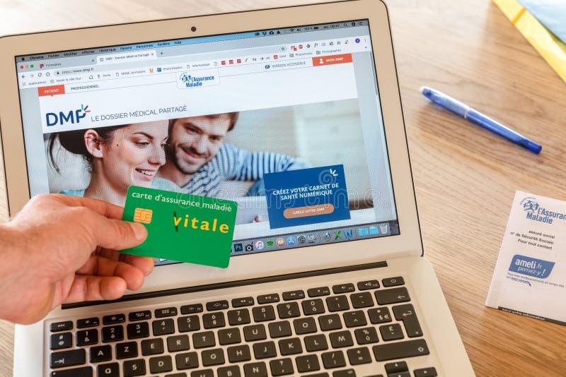 Paryż Francja, Listopad, - 15, 2018: Francuska ubezpieczenie zdrowotne strona internetowa, przedstawia nowego zdjęcie stock