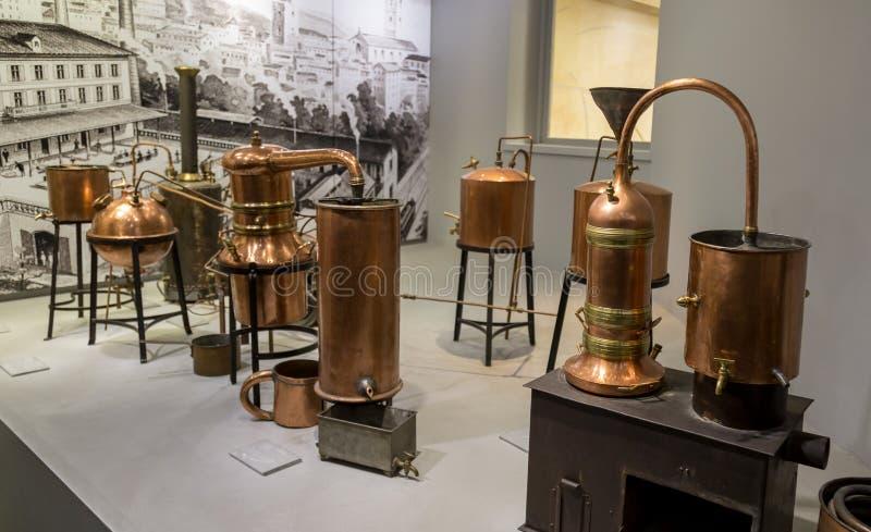 Paryż, Francja, Marzec 27 2017: Hall prezentacj pachnidło Muzealny Fragonard destylator dla produkci pachnidło zdjęcia royalty free